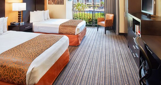 Best Western The Plaza Hotel: Two Double Beds - Pet Friendly