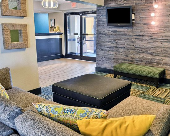 Thornburg, VA: Hotel lobby