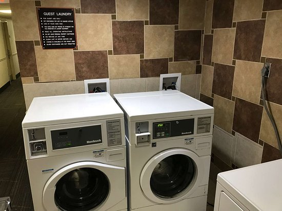 Motel 6 Norcross: laundry