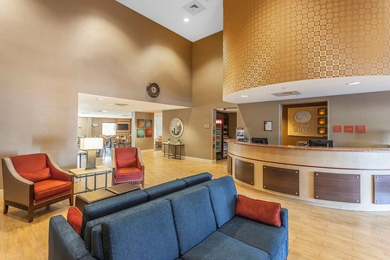 spacious lobby with sitting area picture of comfort suites suffolk rh tripadvisor ie