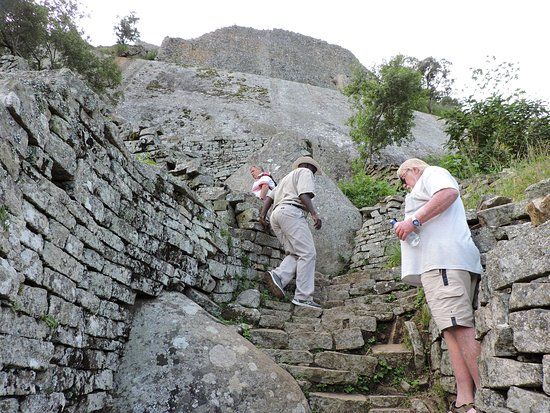 Great Zimbabwe: Going up