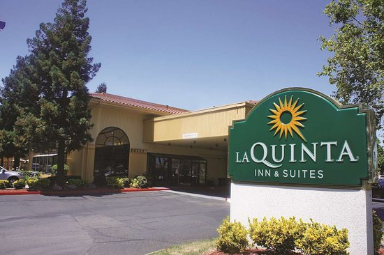 La Quinta Inn & Suites Oakland - Hayward: Exterior view