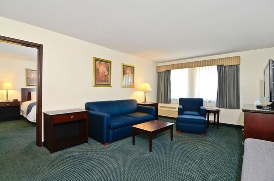 Gas City, IN: King Suite