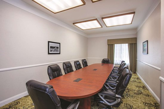 La Quinta Inn & Suites Bakersfield North: Meeting room