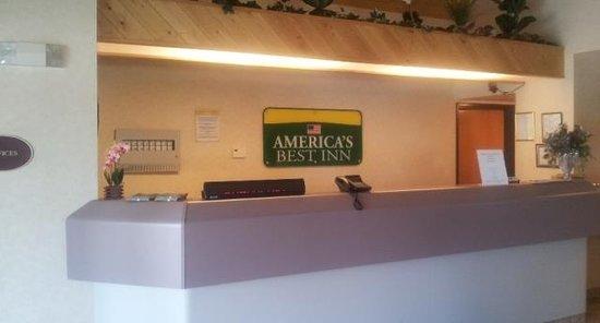 Antigo, WI: Front Desk