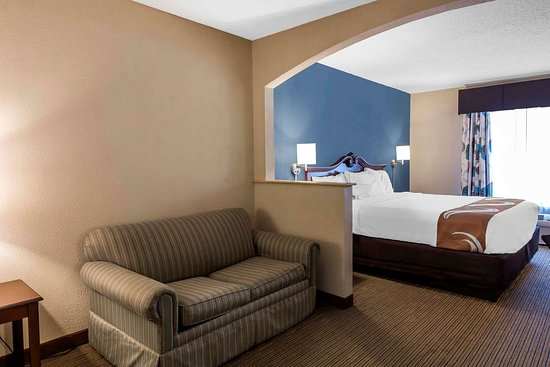guest room with sofa sleeper picture of quality inn suites rh tripadvisor com
