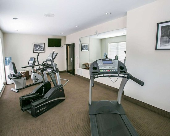 Sleep Inn & Suites N Austin: Fitness center with television
