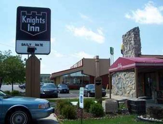 Welcome to Rossford Knights Inn