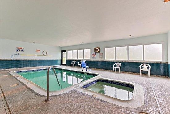 Somerville, TX: Indoor Pool