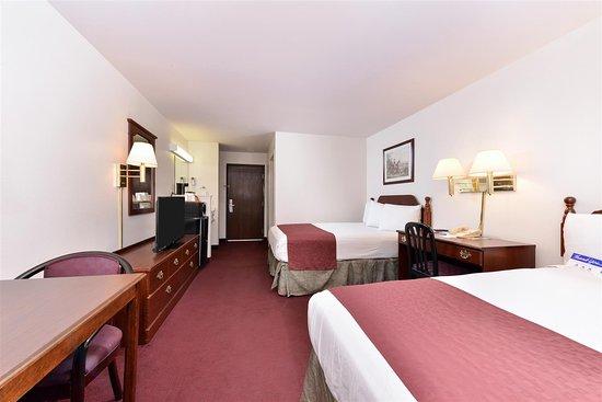 Somerville, TX: Two Queen Beds