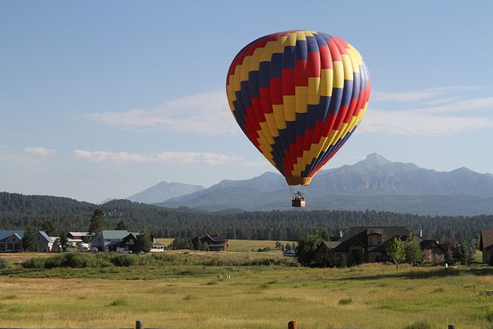 Rocky Mountain Balloon Adventures, LLC: Floating in the mountains