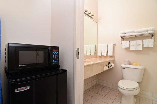Brookfield, Миссури: Guest Bathroom