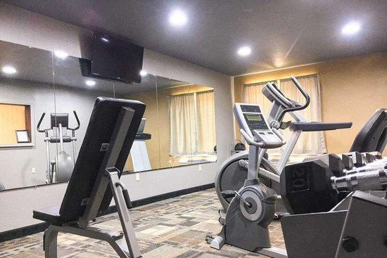 Clarion, PA: Fitness center with television