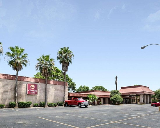 Clarion Inn hotel in Channelview, TX