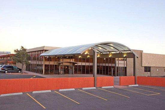 Raton, NM: Exterior