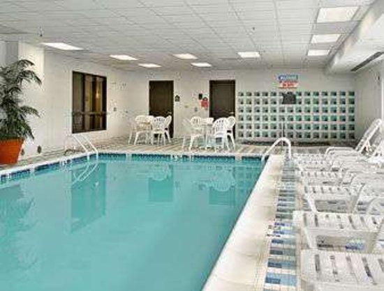 Voorhees, NJ: Pool