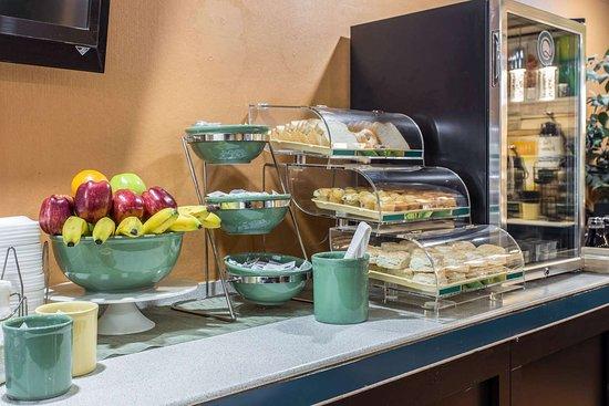 Goose Creek, SC: Assorted breakfast items