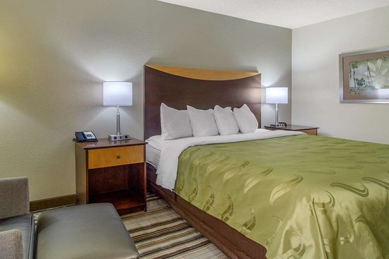 Bulls Gap, TN: Spacious guest room