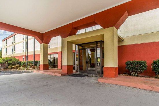 Bulls Gap, TN: Hotel exterior