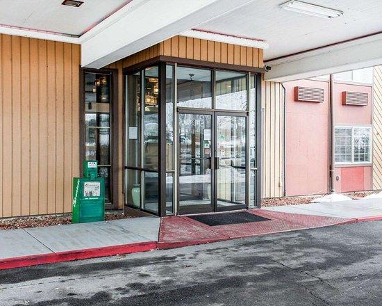 Okanogan, WA: Hotel entrance