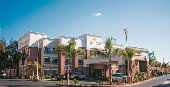 Dog Friendly Hotels Pomona California