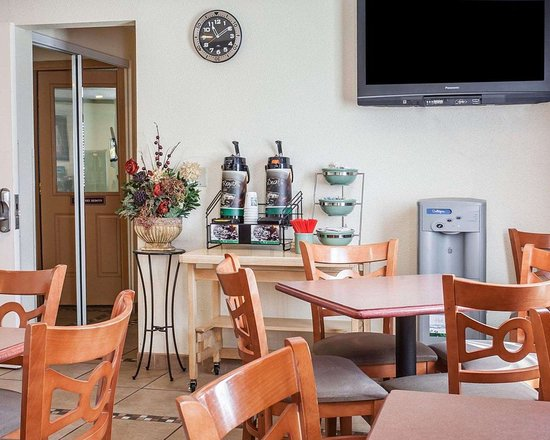 Quality Inn & Suites Toppenish - Yakima Valley: Breakfast area