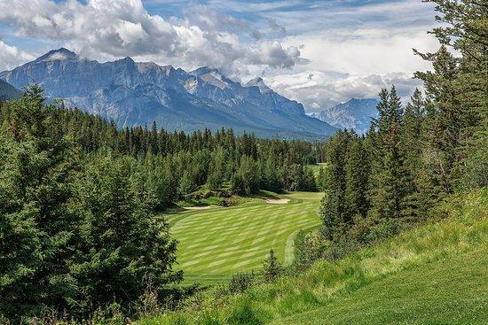 Stewart Creek Golf & Country Club: Hole 1 