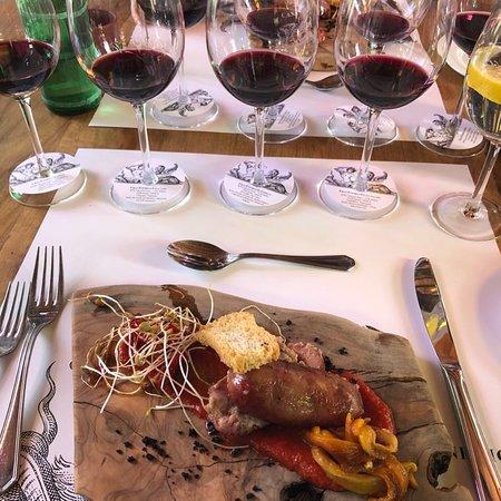 Perfeito!!! Comida maravilhosa, vinho espetacular e serviço de qualidade!!!
