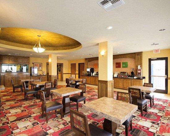 Donna, TX: Breakfast room