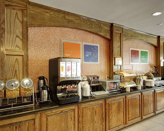 Donna, Teksas: Hot and cold breakfast buffet