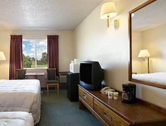 Alamosa, CO: Standard Two Queen Bed Room