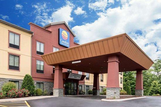 Hotel entrance comfort inn tunkhannock PA