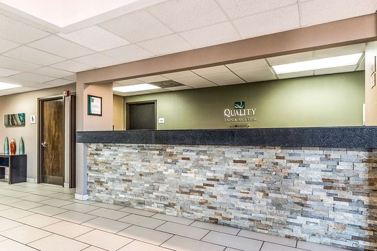 Quality Inn & Suites - Round Rock : Hotel lobby