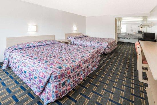 Knights Inn Hilliard/Columbus: 2 Queen Bed Room