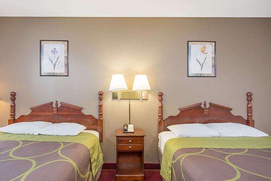 Glade Spring, VA: Guest room