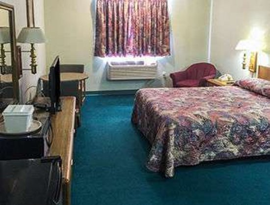 Paxinos, PA: 1 King Bed Room