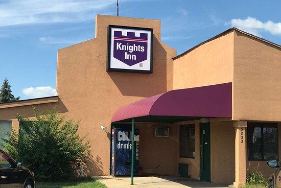 Knights Inn South Bend: Exterior