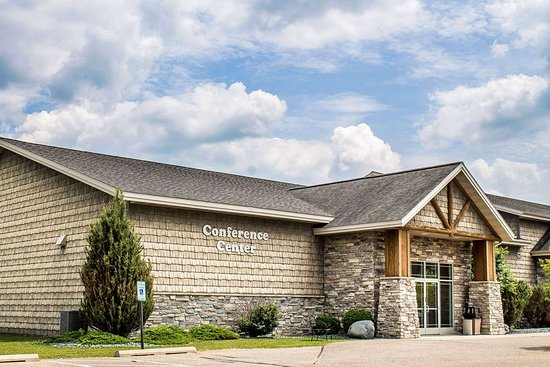 Tomahawk, WI: Hotel conference center