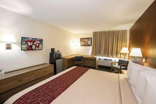 Red Roof Inn & Suites Middletown/Franklin: Superior King