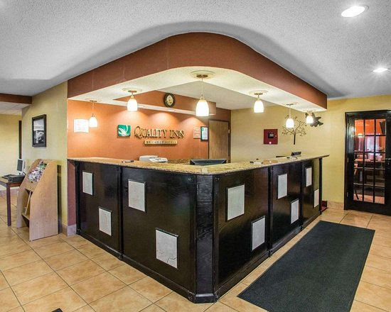 Mosinee, WI : Front desk with friendly staff