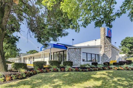 Motel  Whitehead Ct