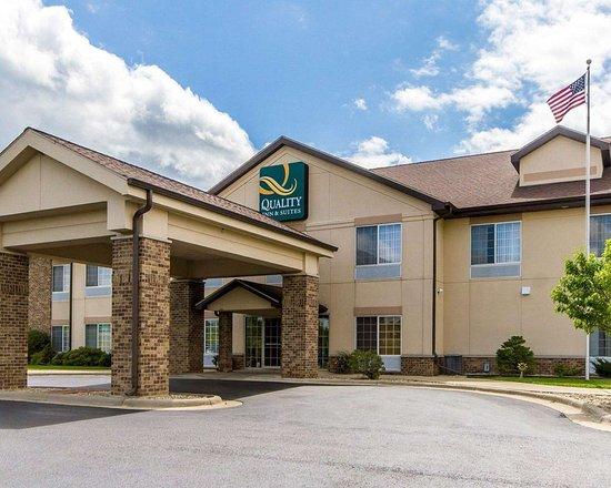 Lodi, WI: Hotel exterior