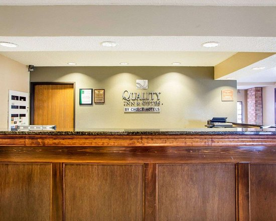 Kimberly, WI: Front desk
