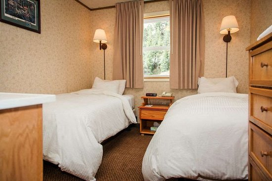 Alta, UT: Nordic Room Two Twin Beds and Shared Bath
