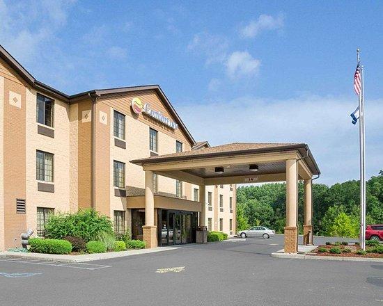 Comfort Inn New River: Hotel entrance