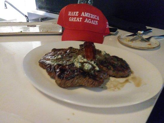Fielding's Local kitchen + Bar: 20180622_192256_Burst01_large.jpg