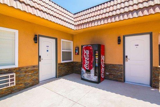 Lynwood, Californie : Hotel vending area