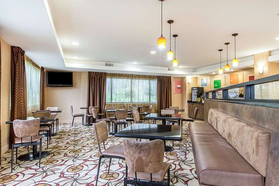 Comfort Suites Kings Bay Naval Base Area: Breakfast area