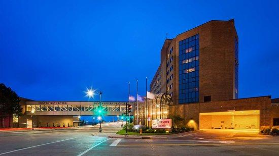 Best Western Premier Waterfront Hotel Convention Center 81 1 0 4 Updated 2020 Prices Reviews Oshkosh Wi Tripadvisor