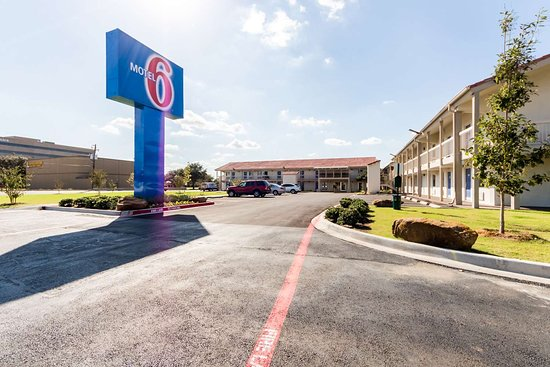 Motel 6 Dallas - Farmers Branch